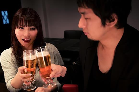 40代男性の浮気事情!飲み会と若い女性