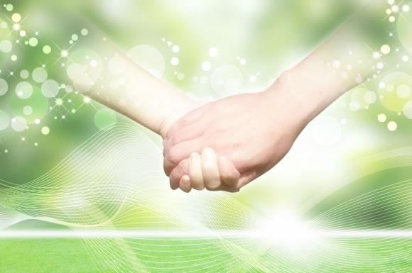 手と手をつなぐイメージ