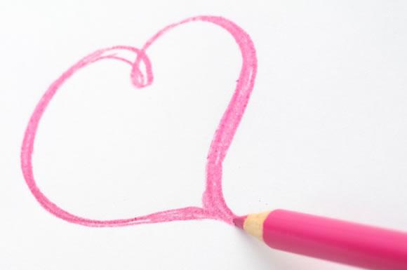 色鉛筆で書いたハート